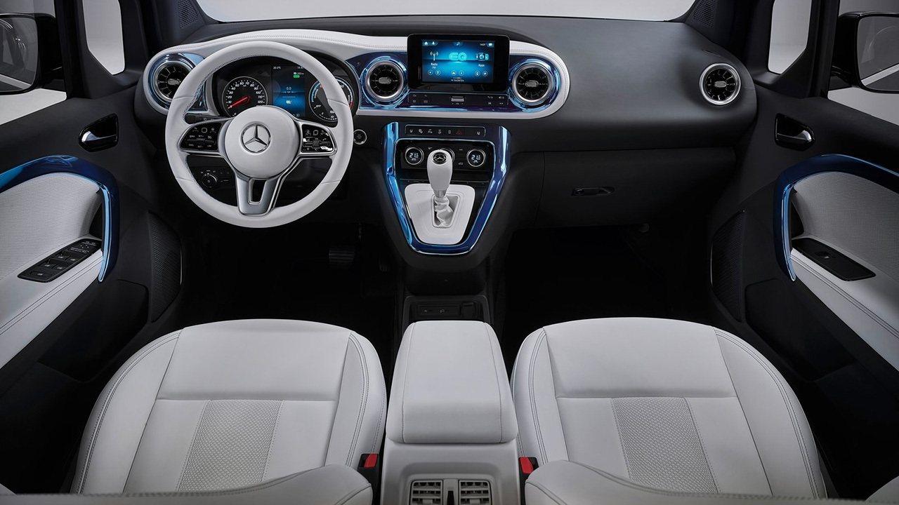 Mercedes Concept EQT - interior
