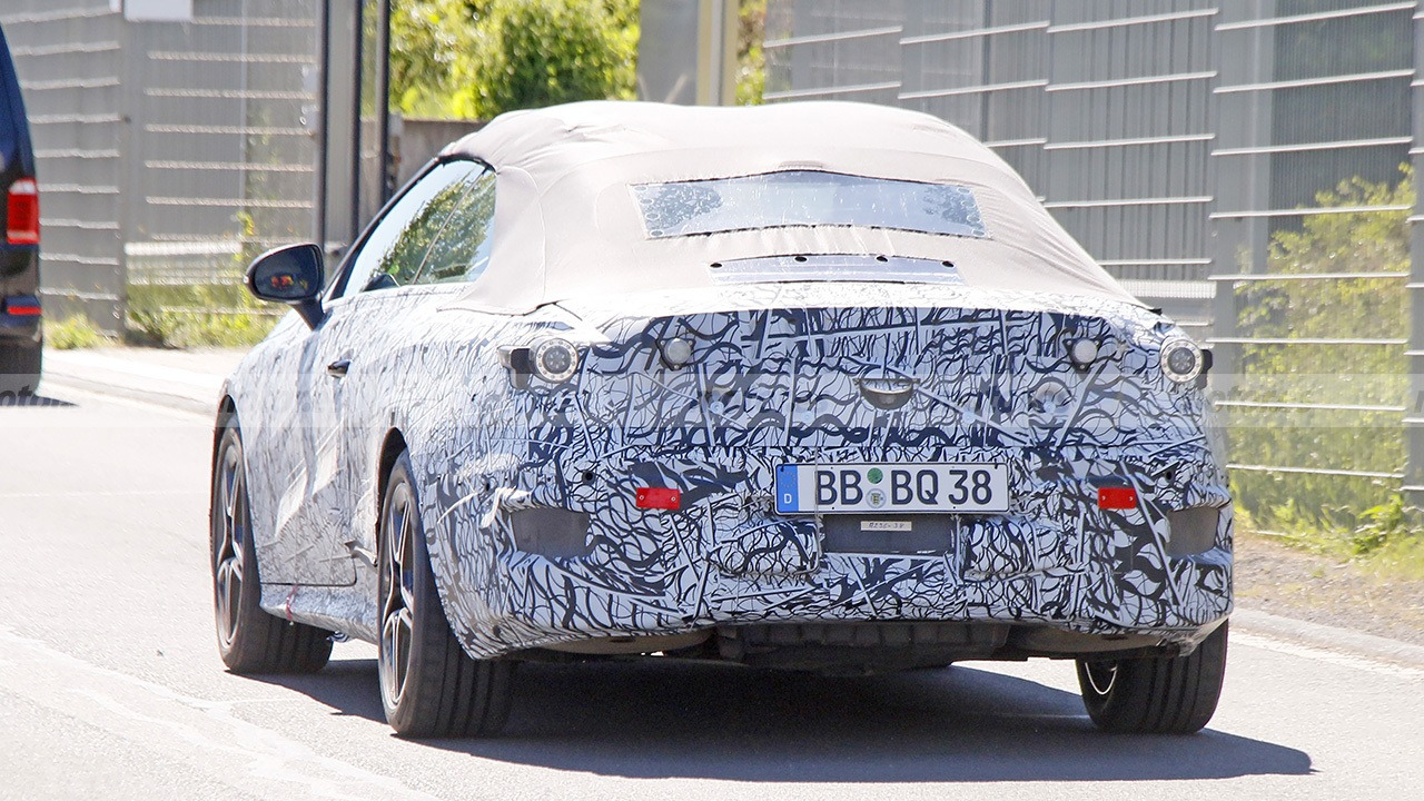 Mercedes Clase C Cabrio 2022 - foto espía posterior