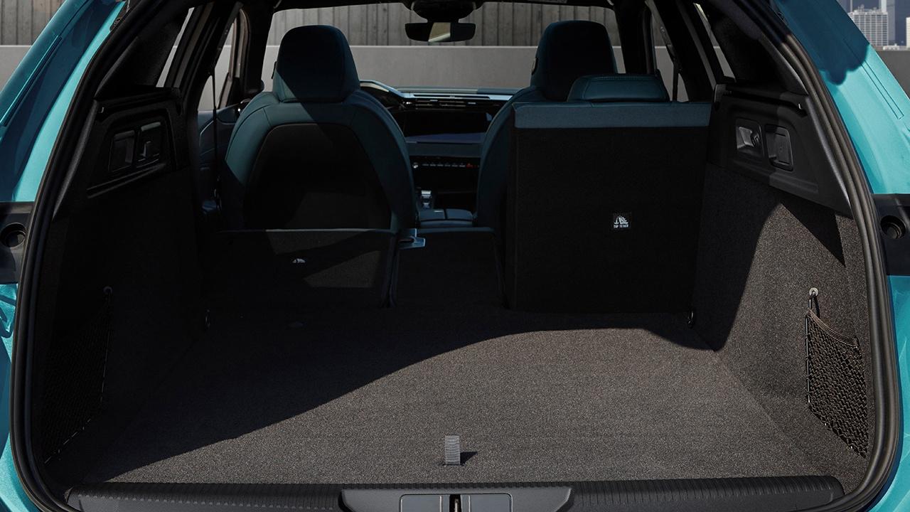 Peugeot 308 SW 2022 - maletero