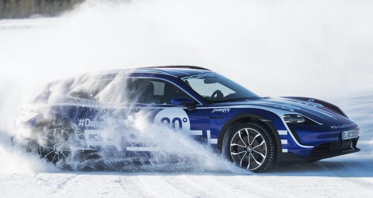 Porsche Taycan Turbo Cross Turismo - exterior