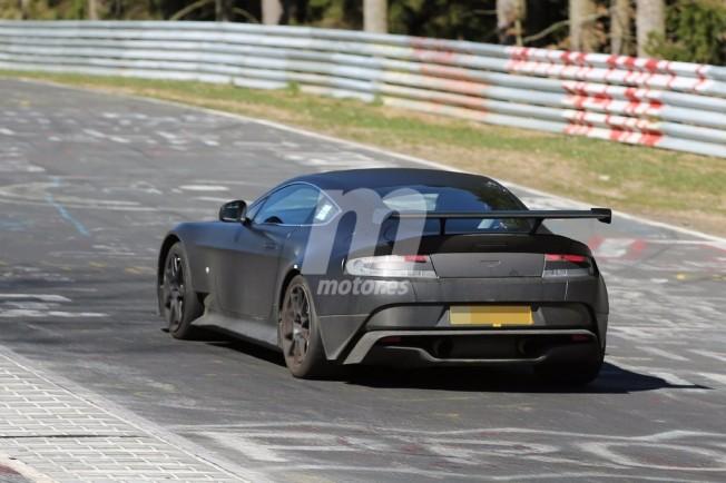 Aston Martin Vantage GT8 2017 - foto espía