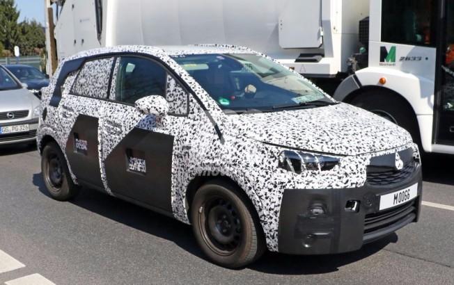 Opel Meriva 2017 - foto espía