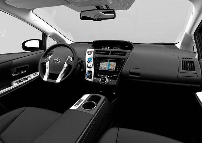 Toyota Prius+ 2016 - interior