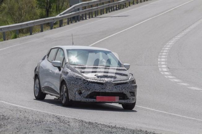 Renault Clio 2017 - foto espía