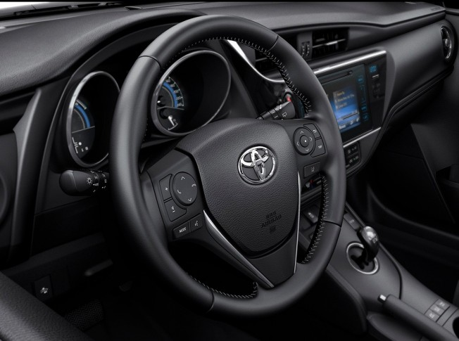 Toyota Auris 2016 - interior