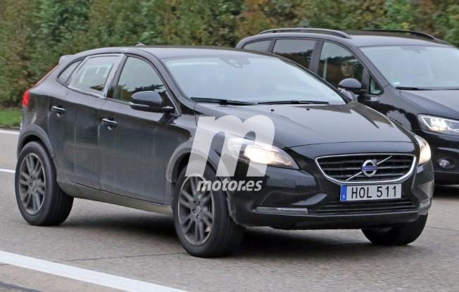 Volvo XC40 2017 - foto espía