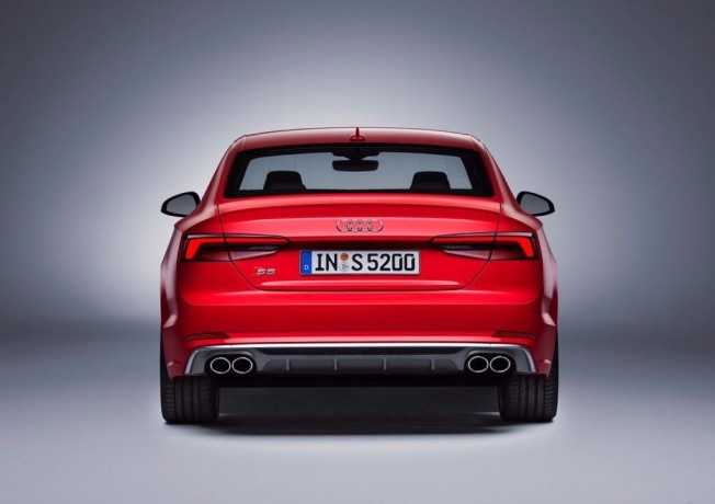 Audi S5 2016 - posterior
