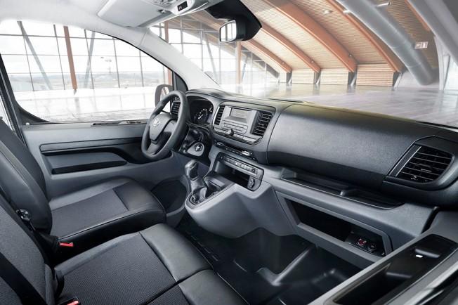 Toyota Proace 2016 - interior