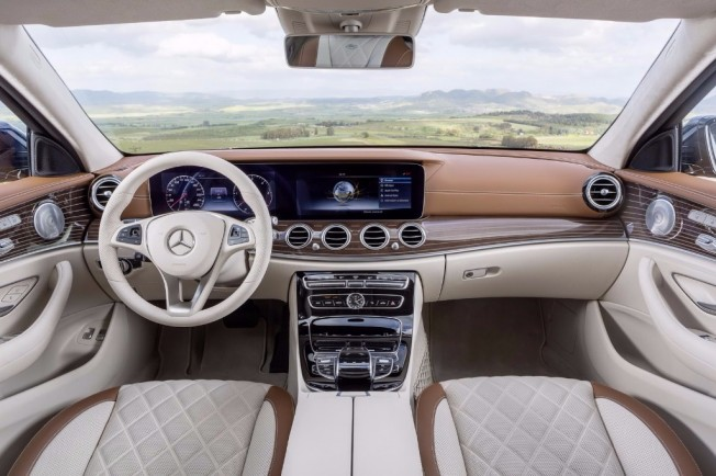 Mercedes Clase E Estate 2016 - interior