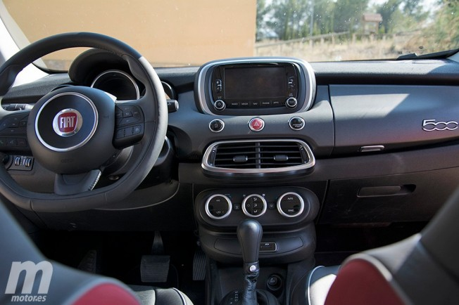 Fiat 500X Cross Plus 2.0 Multijet 140 CV 4x4 - interior