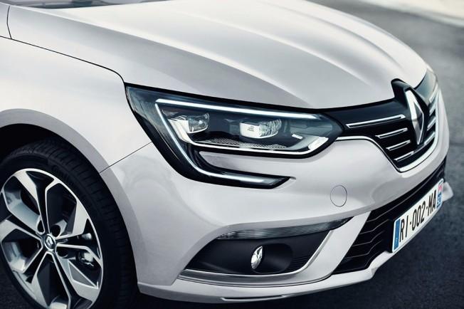 Renault Mégane Sedán 2017 - frontal