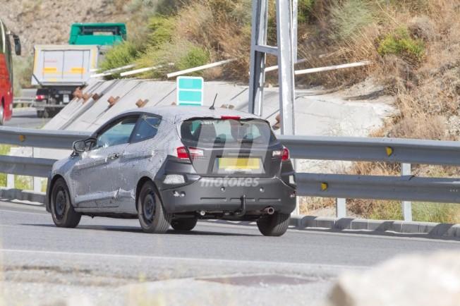 Ford Fiesta 2017 - foto espía posterior