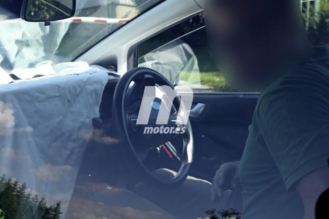 Ford Fiesta 2017 - foto espía interior