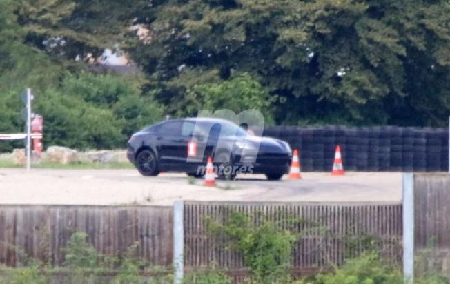 SUV Coupé Porsche - foto espía