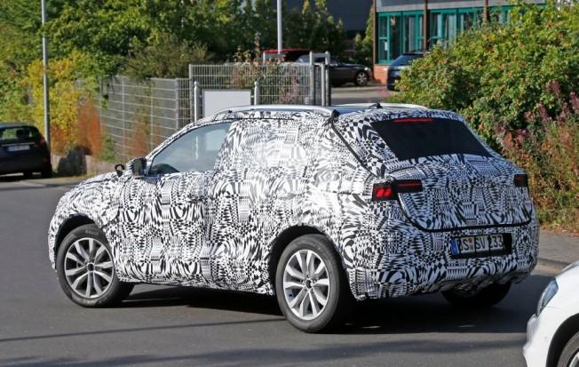 SUV Volkswagen Polo - foto espía