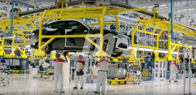 Alfa Romeo Stelvio en la fábrica de Alfa Romeo en Cassino