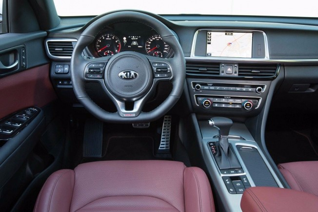 Kia Optima GT 2017 - interior