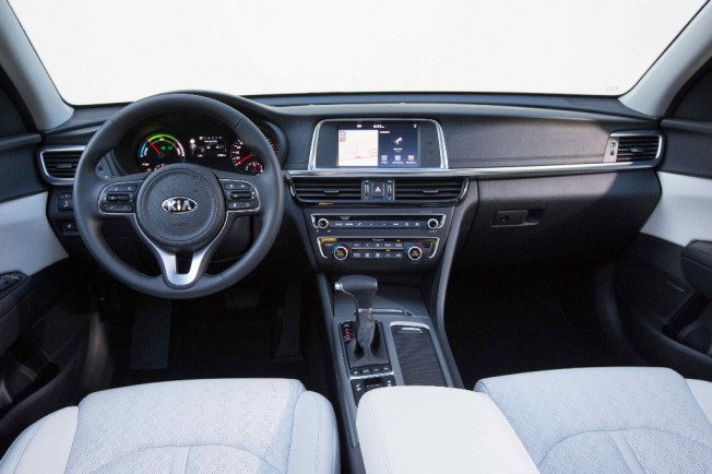 Kia Optima PHEV 2017 - interior