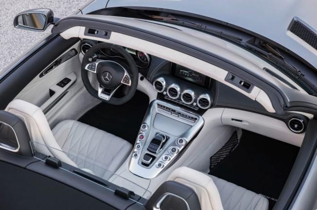 Mercedes-AMG GT C Roadster 2017 - interior