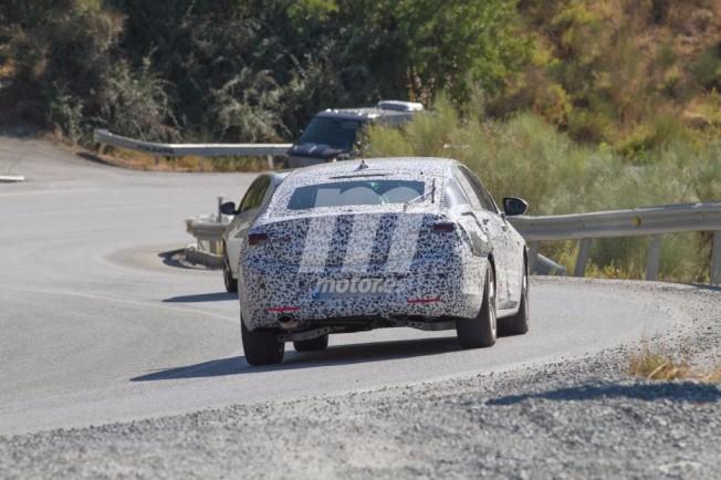 Opel Insignia 2017 - foto espía posterior