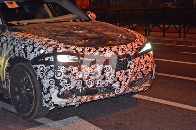 Alfa Romeo Stelvio - foto espía frontal