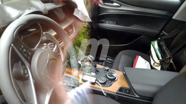 Alfa Romeo Stelvio - foto espía