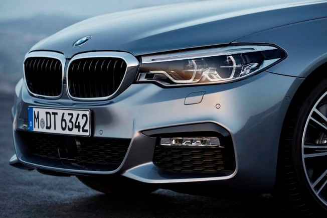 BMW Serie 5 2017 - frontal