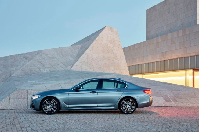 BMW Serie 5 2017 - lateral