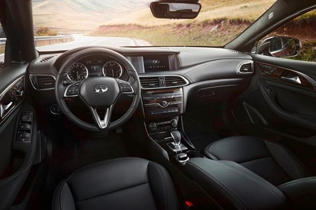 Infiniti QX30 - interior