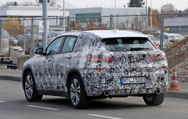 BMW X2 2017 - foto espía posterior