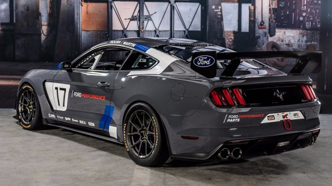 Ford Mustang GT4 - posterior