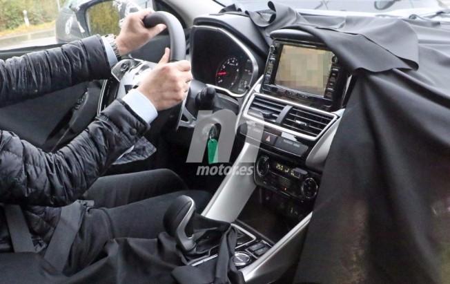 Mitsubishi XR 2018 - foto espía interior