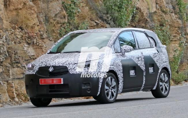 Opel Crossland X - foto espía
