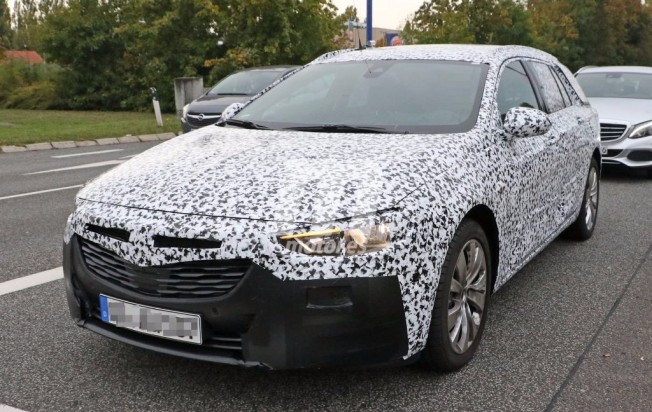 Opel Insignia Sports Tourer 2018 - foto espía frontal