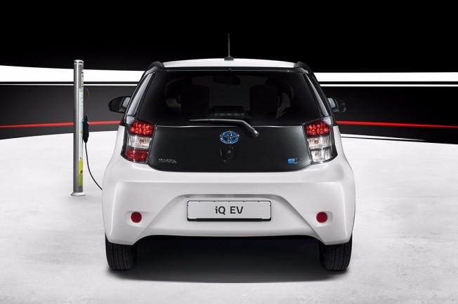 Toyota iQ EV - posterior