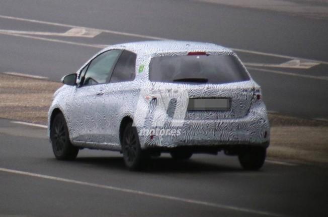 Toyota Yaris 2018 - foto espía