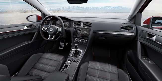 Volkswagen Golf GTI 2017 - interior