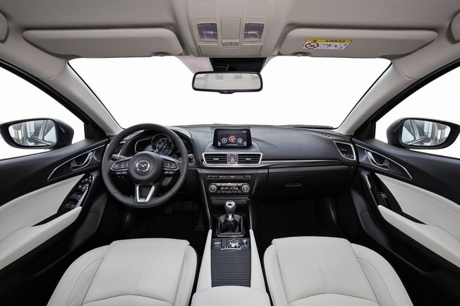 Mazda3 2017 - interior