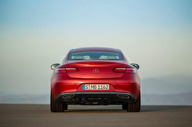 Mercedes Clase E Coupé 2017 - posterior