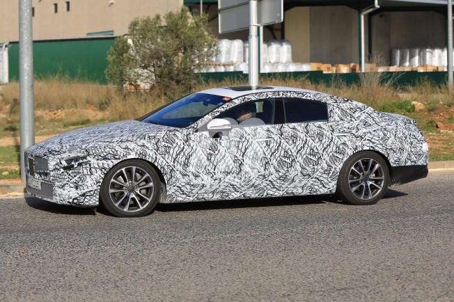 Mercedes CLS 2018 - foto espía lateral