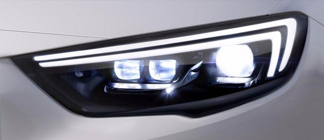 Opel Insignia Grand Sport - Faros IntelliLux LED