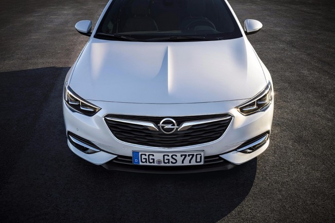 Opel Insignia Grand Sport - frontal