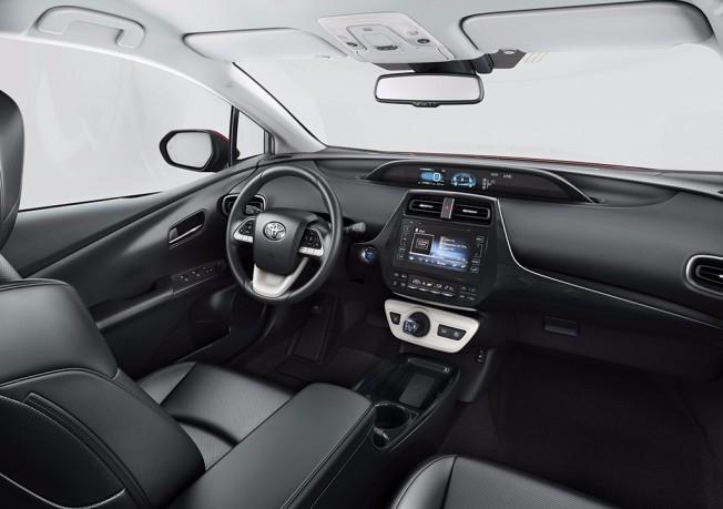 Toyota Prius 2017 - interior