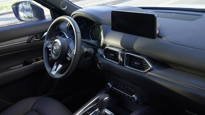 Mazda CX-5 2022 - interior