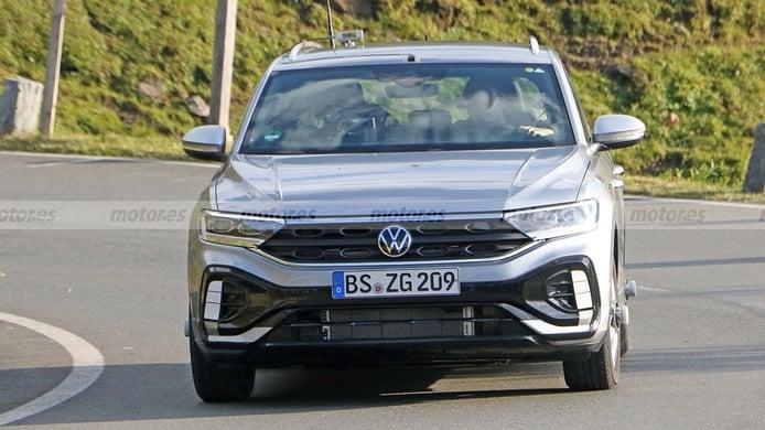 Volkswagen T-Roc R-Line 2022 - foto espía frontal