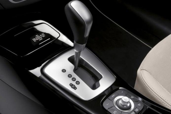 El Renault Laguna 2011 será presentado en París.