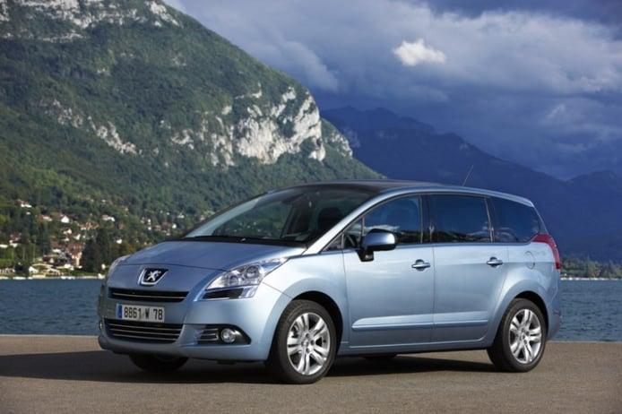 Los Peugeot 3008 y 5008 reciben la tecnología e-HDI