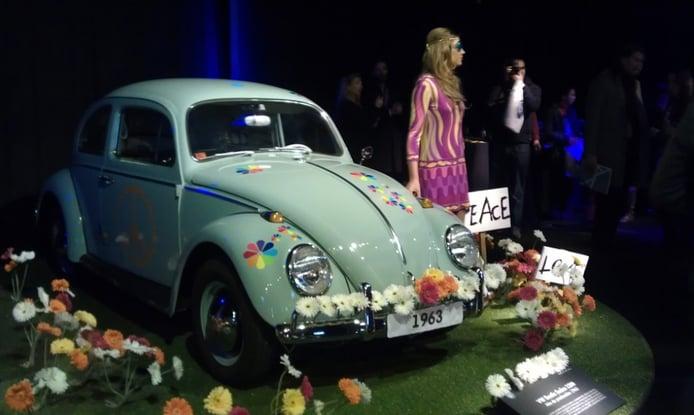 Volkswagen conmemora 66 años de 'Beetles' y reúne modelos históricos en Madrid