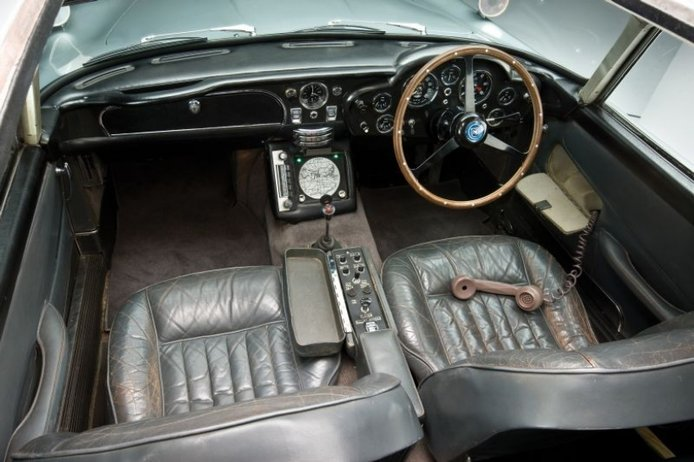 Los coches de James Bond (I): Aston Martin DB5 1964