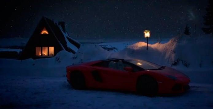 Papá Noel cambia el trineo por un Lamborghini